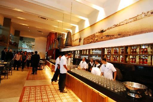 Espaço inclui restaurante que fica aberto até tarde. Foto: Nando Chiapetta/ DP/ D.A.Press