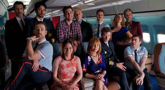 Personagens do filme estão presos dentro de um avião. Foto: Warner/ Divulgação