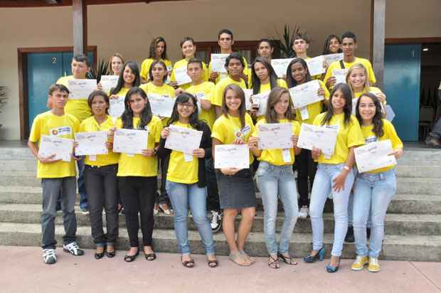 A foto oficial da posse dos Embaixadores do turismo. Foto: Secretaria de Turismo do Pernambuco/Divulgação