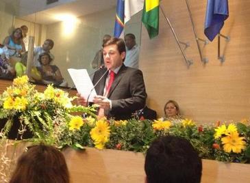 No discurso, Geraldo Julio promete muito trabalho para melhorar a qualidade de vida do recifense. Foto: Carlos Percol/PSB/ Divulgação (Carlos Percol/PSB/ Divulgação)