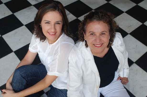 Pollyanna Diniz e Ivana Moura assinam blog que completa dois anos neste sábado, com festa no Esoaço Coletivo. Foto: Nando Chiappetta/Divulgação.
