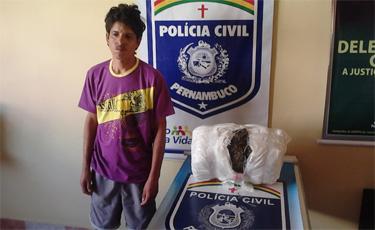 Policia civil prende traficante com mais de sete quilos de maconha na cidade de Buíque. Foto: Polícia Civil/ Divulgação