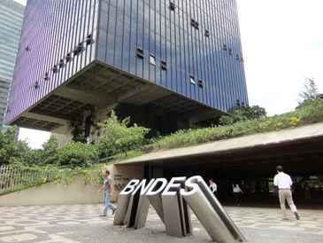 De acordo com o banco, será possível fiinanciar contrapartidas de obras do PAC e do Programa Minha Casa, Minha Vida (Tatiana Nascimento/DP/D.A Press)