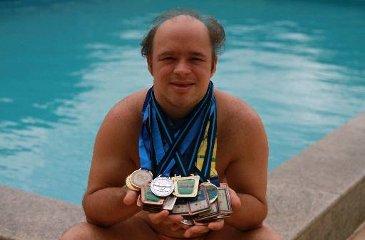 Humberto é professor de natação e já ganhou várias competições. Foto: Annaclarice Almeida/DP/D.A Press