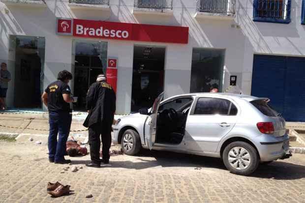 Tentativa de assalto ao Bradesco de Rio Formoso terminou com um suspeito morto, dois presos e um policial ferido. Foto: Teresa Maia/DP/D.A Press