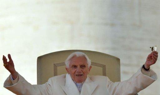 Bento XVI ofereceu ao futuro Papa sua