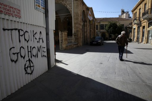 Muro pichado no Chipre contra credores. Foto: Yiannis Kourtoglou/AFP Photo
