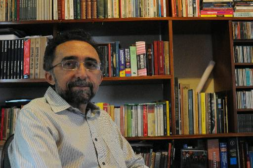 Edvaldo Rodrigues/DP/D.A Press. Fotos do escritor Ronaldo Correia de Brito.