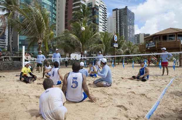 Quadra para pr�tica de v�lei sentado � uma das novidades da praia de Boa Viagem. Foto: Secretaria de Turismo de Pernambuco/Divulga��o