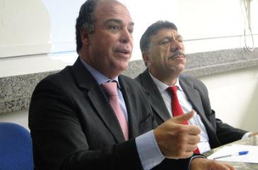 Ministro da Integração Nacional participou de reunião com 50 prefeitos pernambucanos. Foto: Aline Moura/DP/D.A Press (Aline Moura/DP/D.A Press)