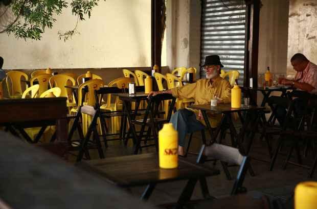 O bar � considerado o melhor fim de noite da Zona Norte do Recife. Foto: Bernardo Dantas/DP/D.A Press
