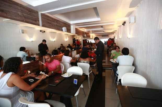 Restaurante Zen � um dos mais frequentados da Rua da Hora. Foto: Bernardo Dantas/DP/D.A Press