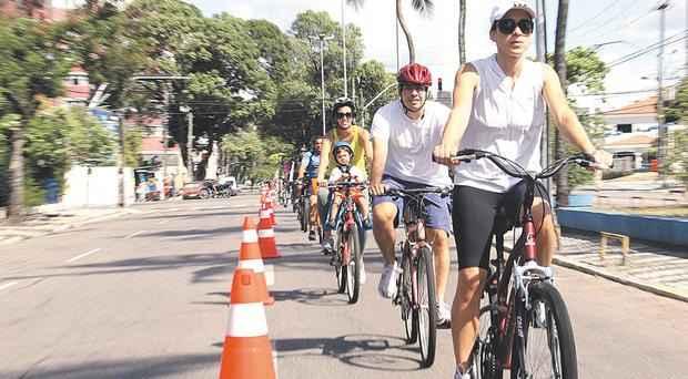 Secretário de Turismo e Lazer quer que duplas de PMs acompanhe o percurso de bicicleta. Foto: Filipe Falcão/ DP/ DA Press