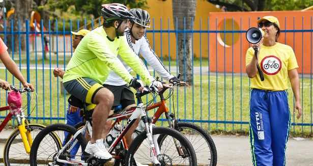 Ciclofaixas funcionam até às 17h deste domingo, ligando a Zona Sul e Zona Norte do Recife ao Marco Zero. Foto: Andréa Rêgo Barros/PCR (Andréa Rêgo Barros/PCR)
