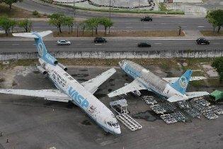 Aviões estão estacionados no Aeroporto Internacional do Recife - Guararapes/Gilberto Freyre. Foto: Teresa Maia/DP/D.A.Press