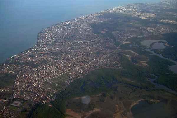 Vista aérea de Jaboatão dos Guararapes, que pode ser desmembrado em dois municípios: Cavaleiro e Jaboatão. Foto: Adriano Soares/DP/D.A Press (Adriano Soares/DP/D.A Press)
