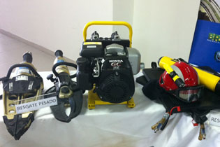 Equipamento utilizado para resgate pesado. Foto: Wagner Oliveira/DP/D.A Press