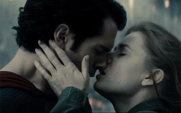 Henry Cavill e Amy Adams interpretam o casal Clark Kent e Lois Lane. Foto: Warner Bross/Divulgação