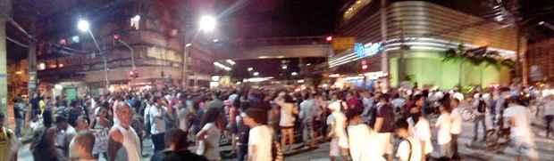 Manifestantes tomam conta da Avenida Conde da Boa Vista. Foto: Natan Nigro/Divulgação
