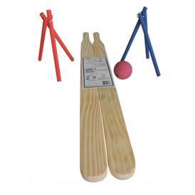 Um bom batedor e excelente rebatedor podem se divertir em qualquer terreno com o jogo de taco. (www.toysefun.com.br )