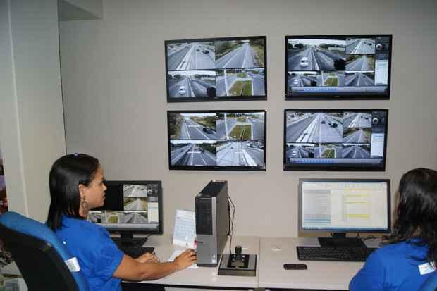 As imagens captadas serão monitoradas na central da Companhia de Trânsito e Transporte Urbano. Foto: Ricardo Fernandes/DP/D.A Press