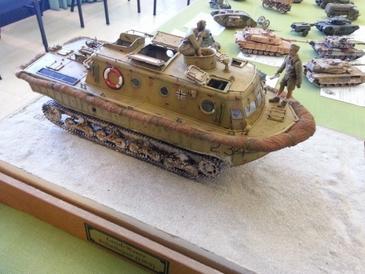 Tanque de guerra é uma das peças em cartaz. (http://plastimodelismoappe.wordpress.com/)