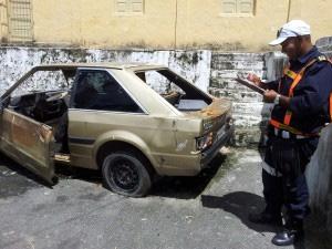 Veículos estão sendo retirados das ruas. Foto: Prefeitura do Cabo/ Divulgação