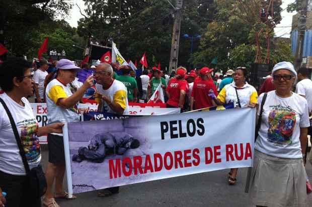 No Grito dos Excluídos faixas protestam em prol dos moradores de ruas do Recife. Foto: Teresa Maia/DP/D.A Press