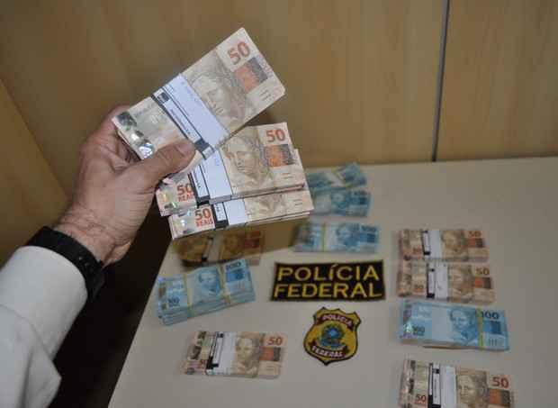 Foram apreendidos R$ 99 mil  na residência de Luiz Otávio Gomes Vieira da Silva. Foto: Polícia Federal/Divulgação