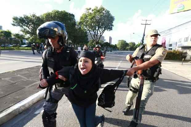 Preocupação do governo e dos representantes da sociedade civil é garantir os direitos de todos  e evitar confrontos entre a polícia e a população. Foto: Bernardo Dantas/DP/D.A Press