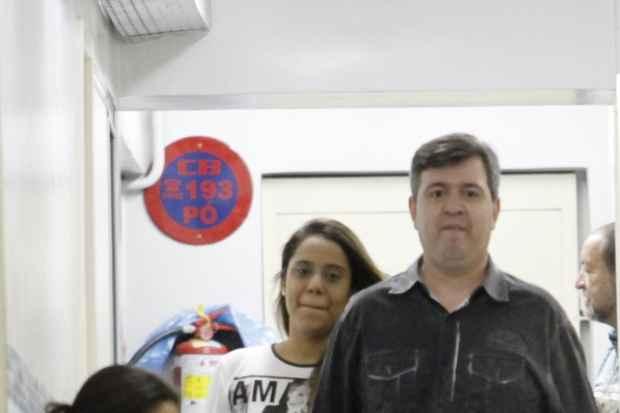 Apresentador e esposa compareceram à delegacia na tarde desta segunda-feira. Foto: Ricardo Fernandes/DP/D.A Press