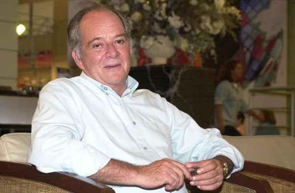 Ator Claudio Marzo é internado em UTI