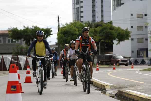 Na Ciclofaixa de Turismo e Lazer haverá uma campanha educativa sobre o uso consciente das bicicletas. Foto: Blenda Souto Maior/DP/D.A Press/Arquivo
