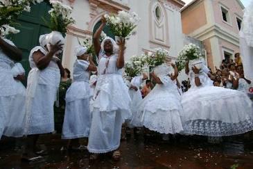 Elementos da cultura africana fazem parte da construção da identidade brasileira e permanecem muito fortes em Pernambuco como na culinária, religião e vestimentas. (Jaqueline Maia/DP )