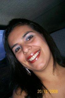 Alexandra Machado, 35 anos, foi assassinada e teve seu corpo abandonado ao lado da filha. Foto: Facebook/Reprodução