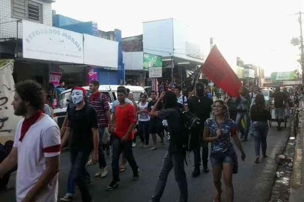 Estudantes fazem passeata pelo passe livre em Paulista. Foto: Leando Lima/Divulgação
