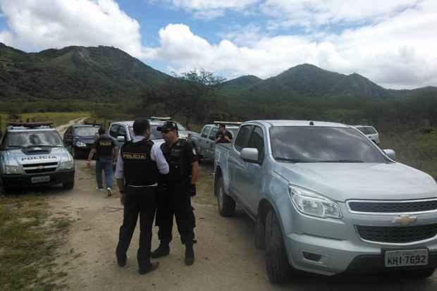 Policiais civis e militares efetuam buscas na Zona Rural de Águas Belas em busca dos responsáveis pelo assassinato do promotor Thiago Faria. Foto: Paulo Paiva/DP/D.A Press