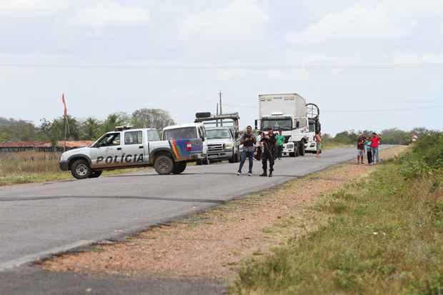 Uma grande operação está sendo realizada por policiais civis e militares, com ajuda de um helicóptero da SDS na área rural do município de Águas Belas, na Fazenda Nova. Foto: Paulo Paiva/DP/D.A Press