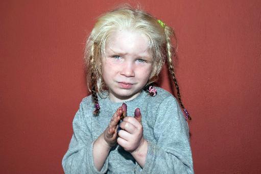 Uma menina loura de olhos verdes, de 4 anos, que foi encontrada em um acampamento de ciganos no centro da Grécia, em 16 de outubro de 2013. Foto: Greek Police/ AFP/Arquivos
