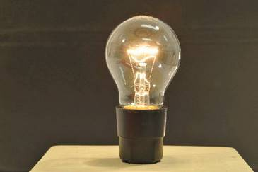 Em 21 de outubro de 1879, Thomas Edison inventava a lâmpada elétrica. Crédito: Gil Vicente/DP/D.A Press.