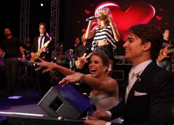 Show de Cheiro de Amor no casamento de Victor Carvalheira e Eduarda Dubeux. . Foto: Arquivo Pesoal