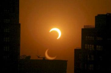 Eclipse solar na China em 2010 (Antonio Broto/AFP)