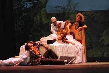 Espetáculo baseado na obra de Jorge Amado contou com momentos de humor e de emoção (Colégio Boa Viagem/Divulgação)