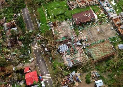 Regi�o devastada pelo tuf�o Haiyan nas Filipinas. Foto: Raul Banias/AFP Photo