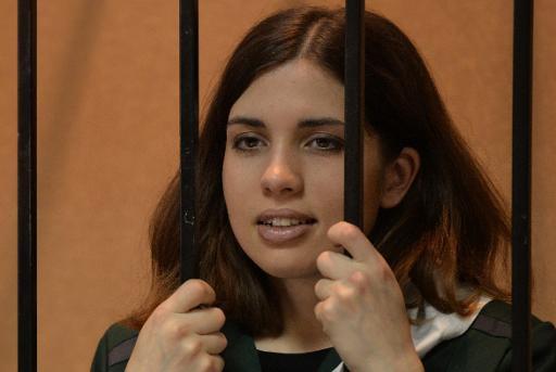 Nadezhda Tolokonnikova, uma das integrantes do grupo Pussy Riot, em uma cela do tribunal de Zubova Polyana, na República da Mordóvia, em 26 de abril de 2013. Foto: Maksim Binov/ AFP Photo