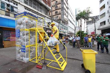Com o lixômetro, a população terá mais uma oportunidade para fazer o descarte correto do lixo. (Edvaldo Rodrigues/DP/D.A.Press)