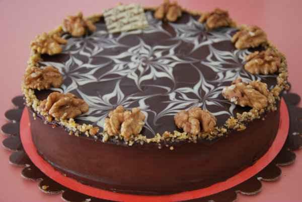 Torta Alem� com nozes � uma torta diferente que cai bem no Ano Novo. Foto: Dalena/Divulga��o