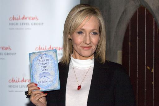 JK Rowling chega à Biblioteca Nacional da Escócia para ler um de seus livros para crianças. Foto: AFP/Arquivos Andy Buchanan