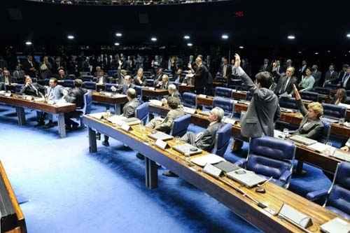 Senadores aprovam o PNE, em 17 de dezembro: projeto amplia a oferta de ensino integral foto: Moreira Mariz/Ag�ncia Senado  (Moreira Mariz/Ag�ncia Senado)