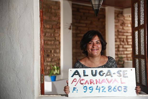 Todo ano a relações públicas Tereza Santos deixa a casa dela em Olinda para alugar para grupos de de foliões. Foto: Bernardo Dantas/ DP/ D.A Press
